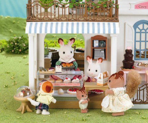 Sylvanian Families courtyard resturaunt bakery!