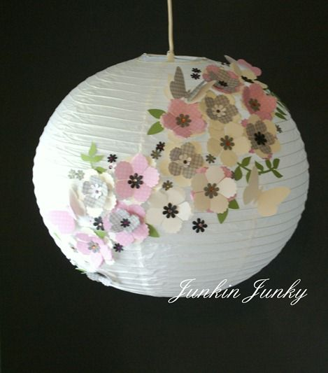 The most beautiful paper lantern i have ever seen......Pretty paper lantern at JunkinJunky.blogspot.com