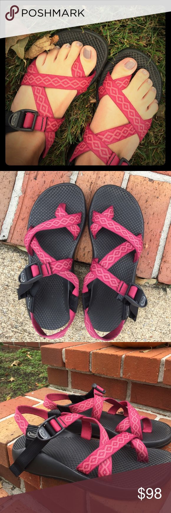 Women's thick toe strap Chacos WONDERFUL condition. Such a great transitional shoe to have :-) color has a pink tint but is more of a dark deep pink. Love the Aztec design! No longer available on their website! Chacos Shoes Sandals