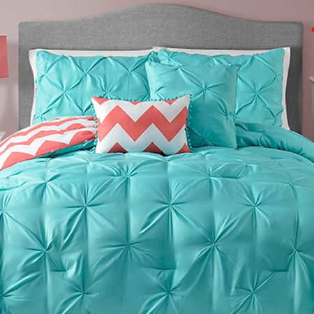 this look great with some custom made lilly pulitzer pillows