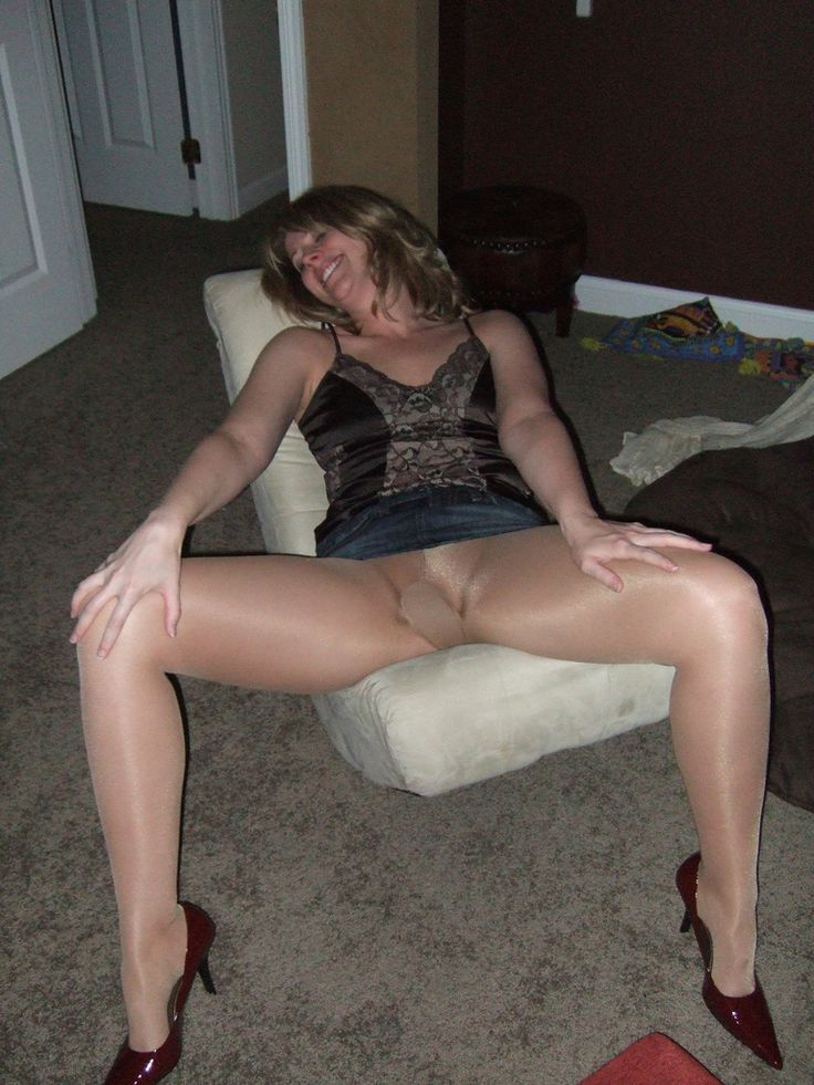 Fell love. long legs and pantyhose and upskirt photos just cum