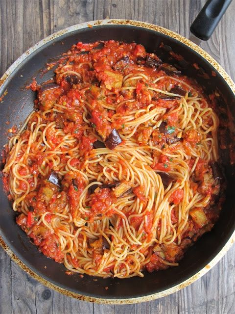 Pasta alla norma: Eggplant pasta - one of my favorites...