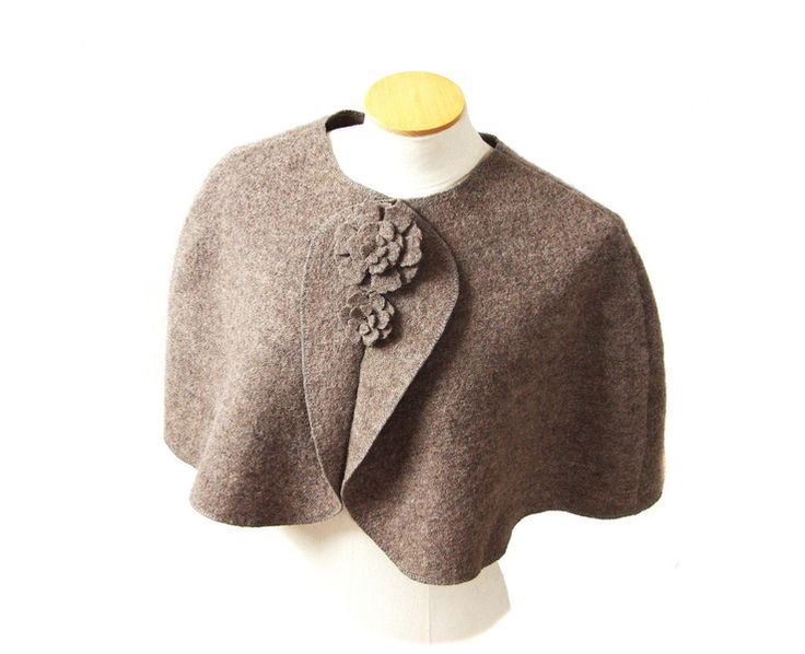 simple, elegant cape, mini poncho. Color taupe, 100% wool