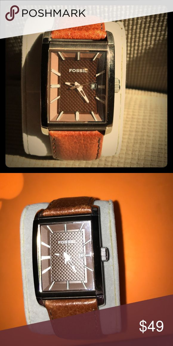 Men's Fossil Watch PRICE FIRM! Brown Leather Band, brown face, silver tone numbers, brown rectangular case. EUC! Light wear on band, light scratching on case. Fossil Accessories Watches
