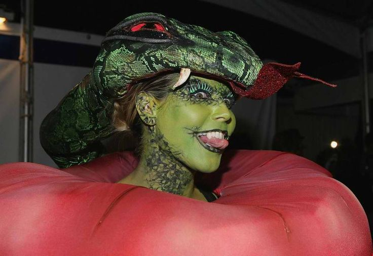 24719d1162564506 heidi klum hlloween costume green face for How to have a great halloween party
