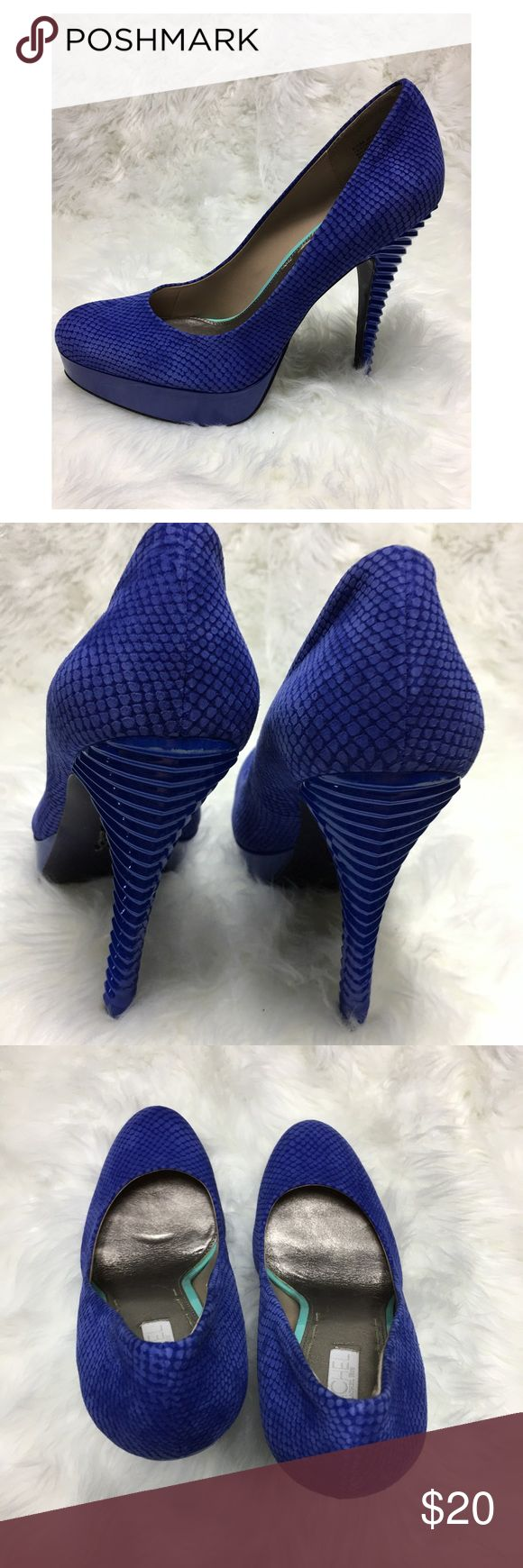 Rachel by Rachel Roy leather blue heels Sz 8.5 Rachel by Rachel Roy heels in Sz 8.5M. Absolutely gorgeous and so soft! Leather in a Faux Snake Skin pattern! Heels is 3.75 inches (measured from inside)  In excellent used condition, see pics!  All items are from a Smoke free, Meow friendly home! Items have been gently washed in Persil or Tide and line dried, unless otherwise noted (I.E.-new with tags, dry clean only..) Rachel by Rachel Roy Shoes Heels