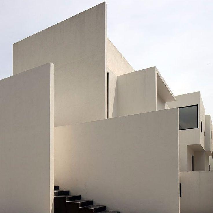 AR HOUSE, Atizapán de Zaragoza, 2011 | design by LUCIO MUNIAIN et al | more on www.archilovers.com #archilovers