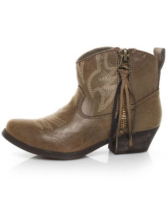 big buddha wylan cowboys. really like these- short & sweet.  This is the color I have...love them!