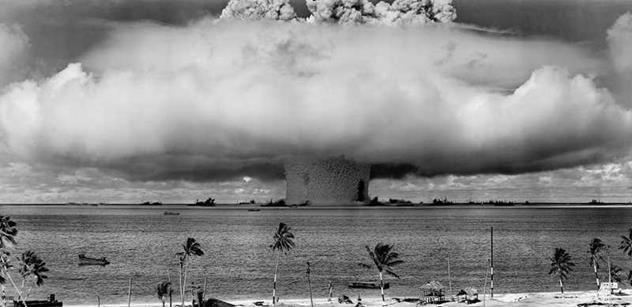 Jaderná válka a zkáza ještě v tomto roce. Mluví o tom dokonce bývalý americký ministr obrany
