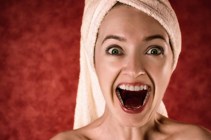 O zęby należy dbać codziennie, nie tylko wtedy, gdy raz na rok czy pół roku wybierasz się na wizytę kontrolną do dentysty. Choć jesteś zabiegana, masz mało czasu, bo dużo pracujesz, to codzienna higiena jamy ustnej przełoży się na mniej problemów z zębami w starszym wieku. Jak możesz dbać o... http://portal-zdrowia.pl/dbaj-o-zeby-na-co-dzien/