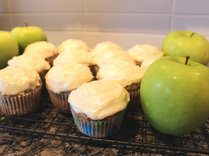 Green Apple Cupcakes * Cookbook Hub #apple #dessert #treat #recipe #creamcheese