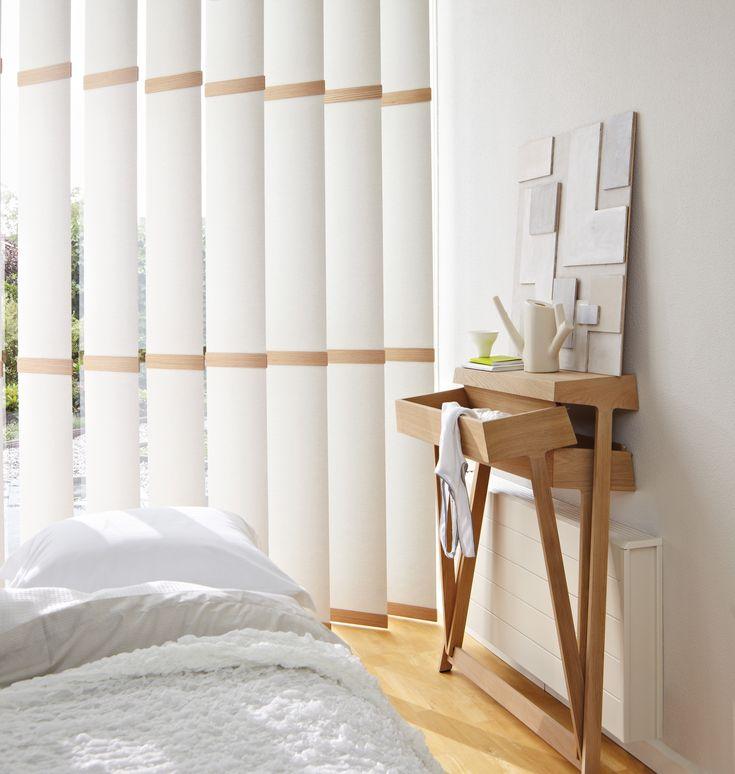 #interior #interieur #window #decoration #raamdecoratie #design #modern #gordijnen #bedroom #jaloezieën #bed #nightstand