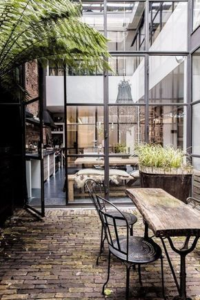 binnen/buiten indoor/outdoor terras patio vintage design loft lovt