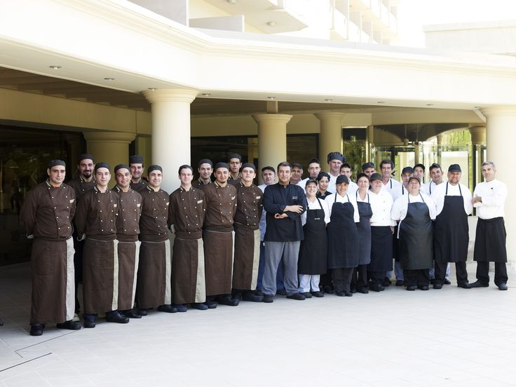 The experience and friendliness of the welcoming staff of Esperos Palace will make you feel comfortable and beautiful from the moment you step foot in Esperos Palace and Faliraki, Rhodes. Welcome to Esperos Palace, a world of summer luxury.