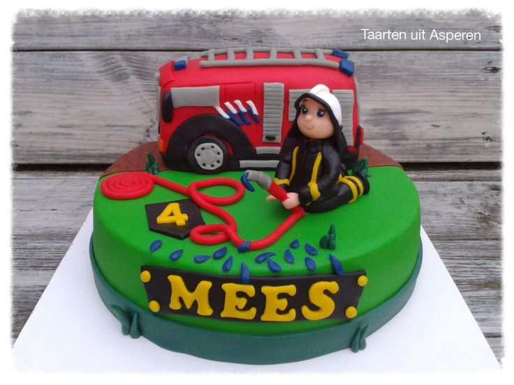 Een brandweer taart voor Mees