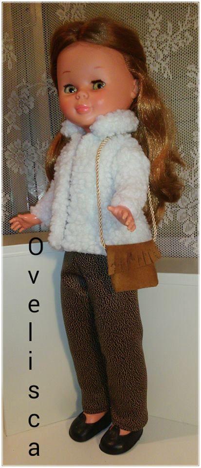 Muñeca Nancy con chaqueta de borreguillo y pantalón