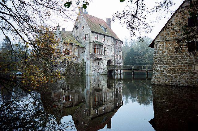 Burg Vischering (Vischering Castle), Lüdinghausen, North Rhine-Westfalia, Germany.