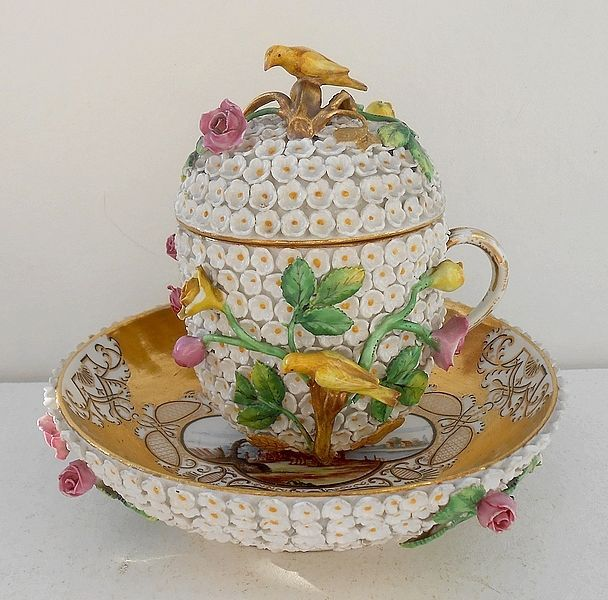 Meissen Snowball Cup and Saucer Chocolate Porcelain 18th 1740 Schneeball