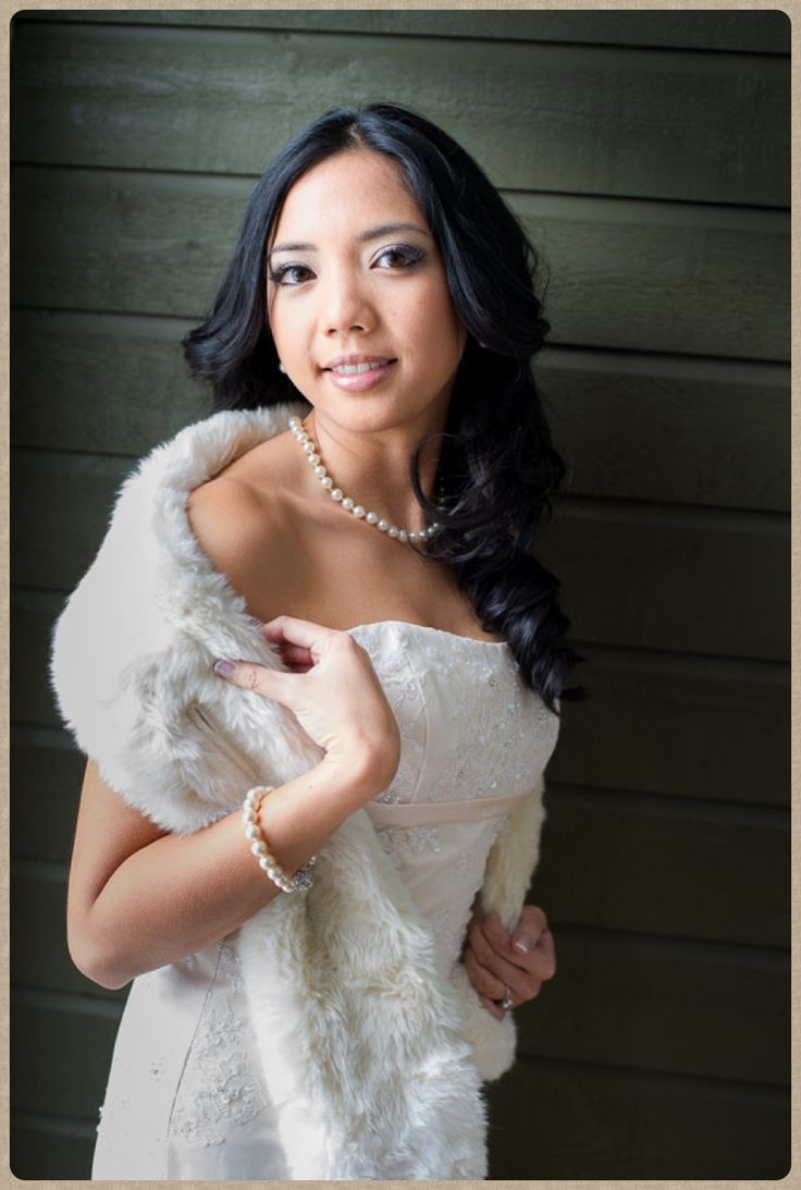 Beautiful bride - winter wedding