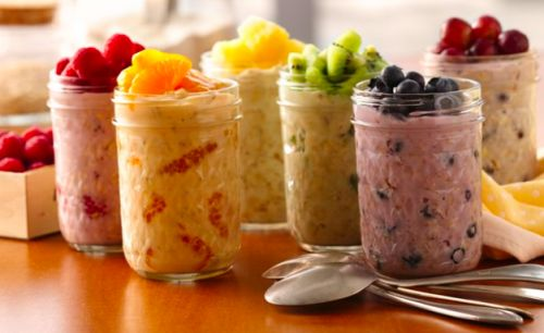 Overnight oats with chia seeds and fresh berries. What you'll need: 1/2 cup rolled oats 1/2 cup fresh berries, you can use any kind you love. 1 cup almond milk or any kind of milk you want to add. 1 tsp chia seeds, these are great for you! 2 tsp maple syrup, natural honey can be used too. 1/4 tsp cinnamon or more if you like. How to make it: Combine ingredients in a mason jar or bowl then cover and refrigerate overnight. Enjoy cold the next morning and top with more fruit if desired.