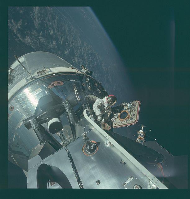 La NASA a rendu publique plus de 10000 photos qui racontent les années Apollo. Voici notre sélection.