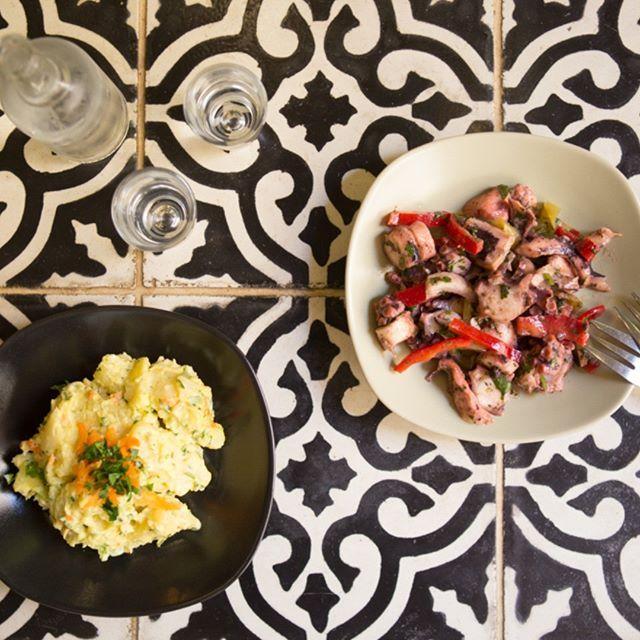 Light and healthy doesn't have to be boring! #octopussalad #potatoesalad #1600rakibaraki #rethymno  #rakibaraki1600 @1600rakibaraki