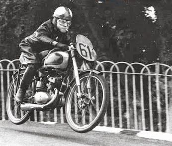 TT. Harvey Williams on a 125 BSA Bantam, Ballaugh Bridge ...