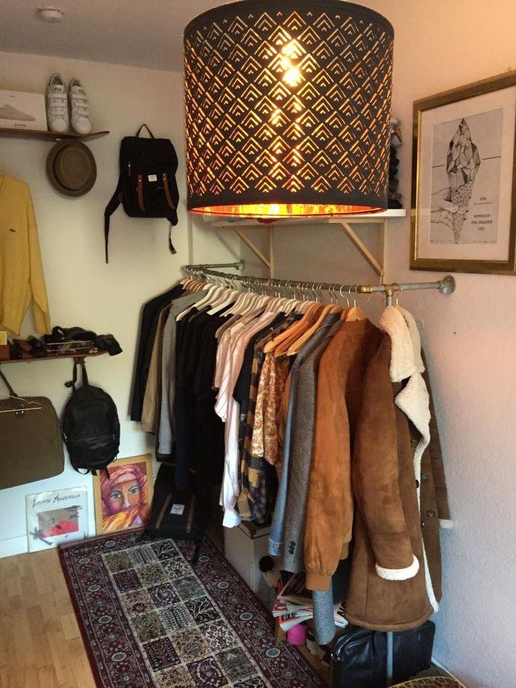 Perfect Die Kleiderstange als perfekter Aufbewahrungsort f r M ntel Jacken und Oberteile da alles sichtbar ist