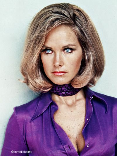 LIKE MOTHER - LIKE SON Benedict and his mother Wanda Ventham
