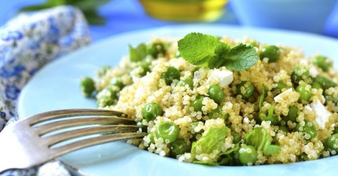 Recette de Taboulé frais de quinoa Croq'Kilos feta menthe et petits pois. Facile et rapide à réaliser, goûteuse et diététique.