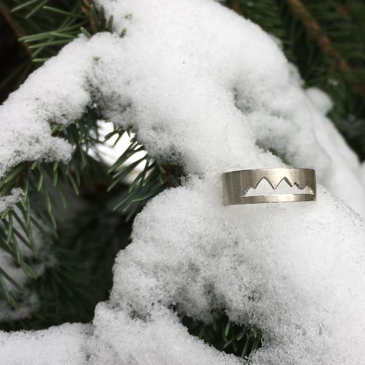 ❄️️The snow is here for good in Whistler! Gearing up for Christmas is in full force. Remember the last day to order Scenic Route Collection jewellery is December 12th. Have a great weekend!
