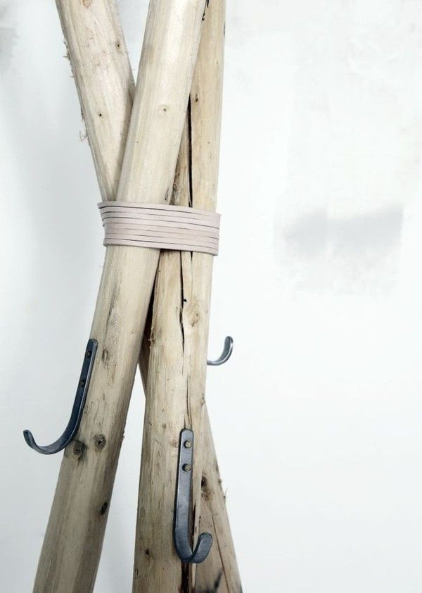 ANNALEENA SHEM, DIY DRIFTWOOD STAND: from http://annaleenashem.blogspot.com/ originally. #wood #diy #rack