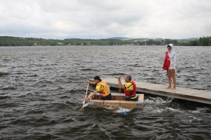 L'équipe Safari Condo s'élance sur les eaux du lac Témiscouata.