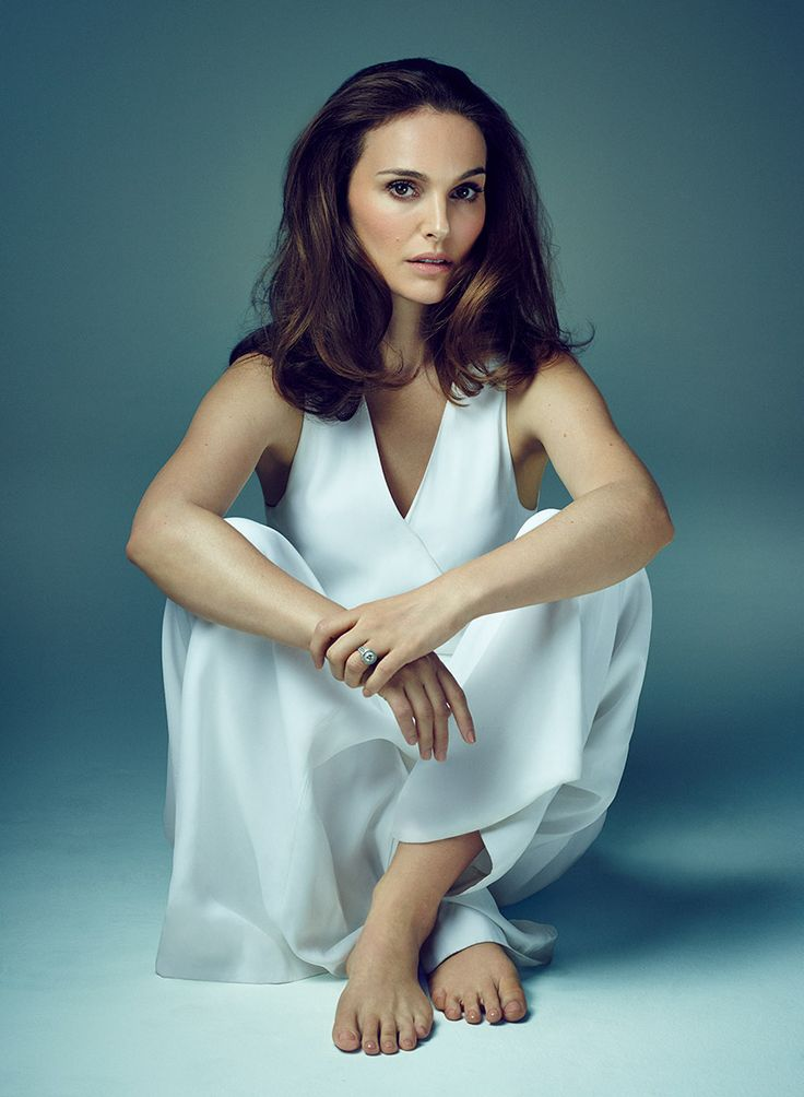 Best 25 Natalie Portman Feet Ideas On Pinterest