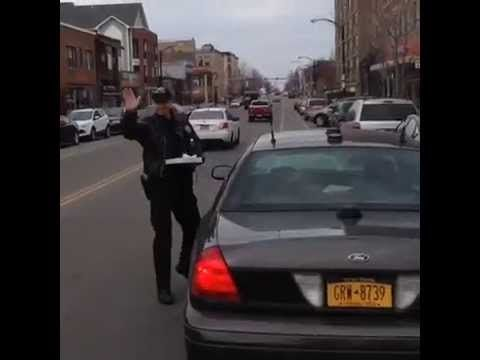 Cop thinks getting pizza is an emergency.   Real Funny