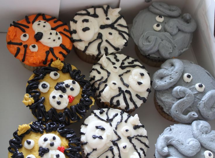 Buttercream Zoo Animal Cupcakes