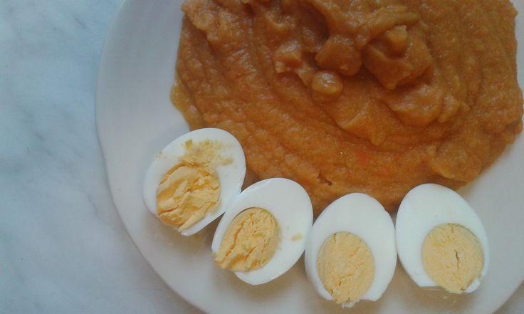 kaše z červené čočky a mrkve + vejce