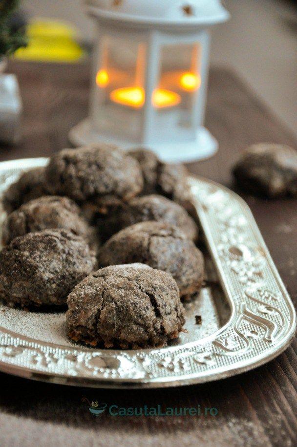 Fursecuri cu ciocolata, o reteta cu gust intens de ciocolata si o aroma subtila de portocale, desertul perfect pentru anotimpul infrigurat al iernii,