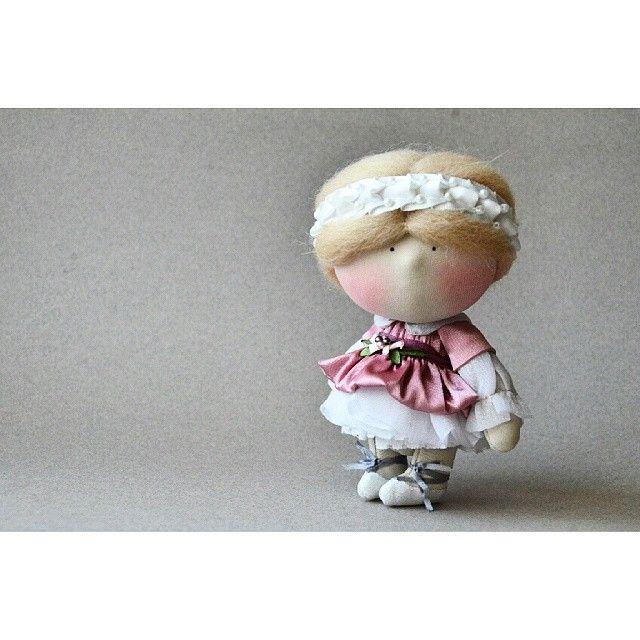 "97 Me gusta, 5 comentarios - Елена (@kooklook_gallery) en Instagram: ""KOOKLOOK ""Маленькая балерина""  Сделана под заказ... #kooklook  #dolls  #handmad  #кукла #балерина…"""