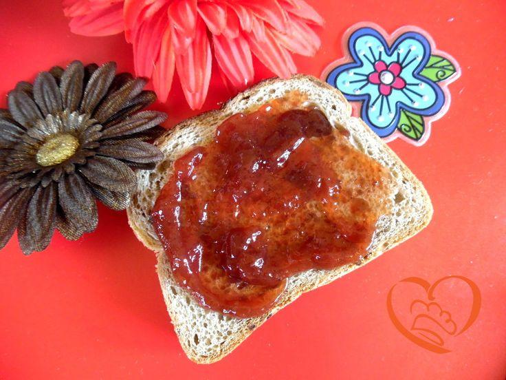 Marmellata di fragole con prosecco http://www.cuocaperpassione.it/ricetta/87391f4c-9f72-6375-b10c-ff0000780917/Marmellata_di_fragole_con_prosecco