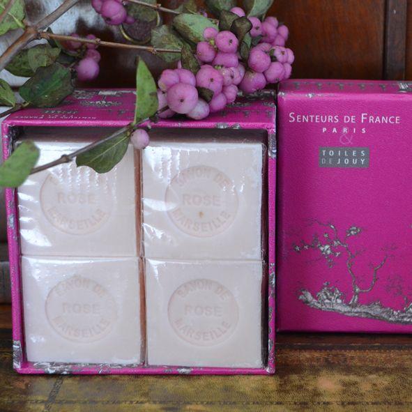 toile-de-jouy-4-savons-cubes-roses