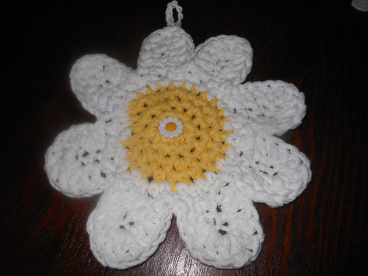 Daisy Coaster from Whiskers and Wool Crochet Patterns  This one is actually a hotpad