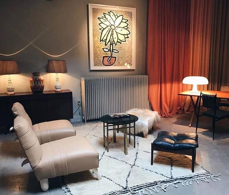 Vintage mix lounge work room - leather stool