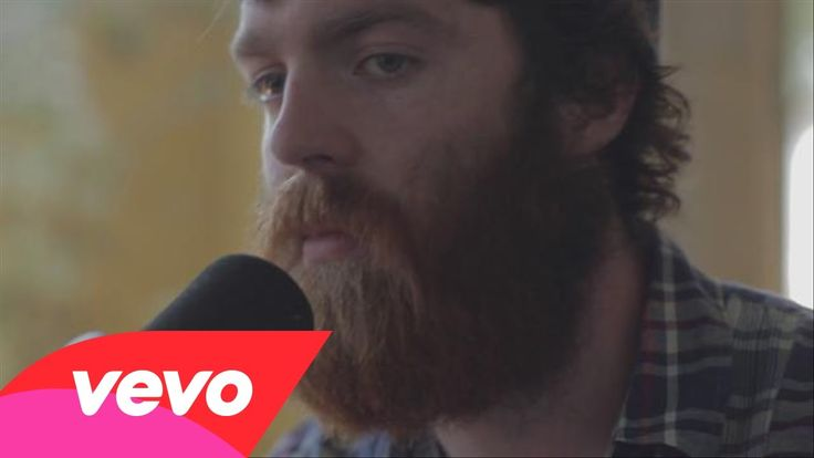 Chet Faker, No Diggity (live) (Well, the studio versions of his songs are good, bud I can´t help live versions are much more...better.)