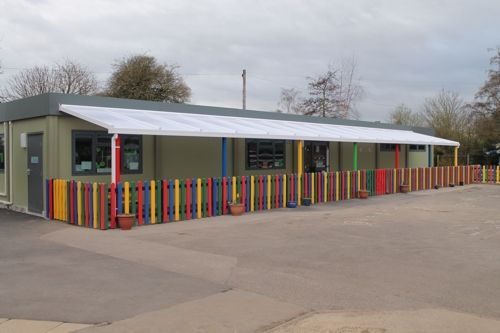 St Nicholas Primary School, Oxfordshire - 20m x 2.7m Coniston Wall Mounted Canopy    http://www.ablecanopies.co.uk/i/oxfordshire/oxford/st-nicholas-primary-school.html