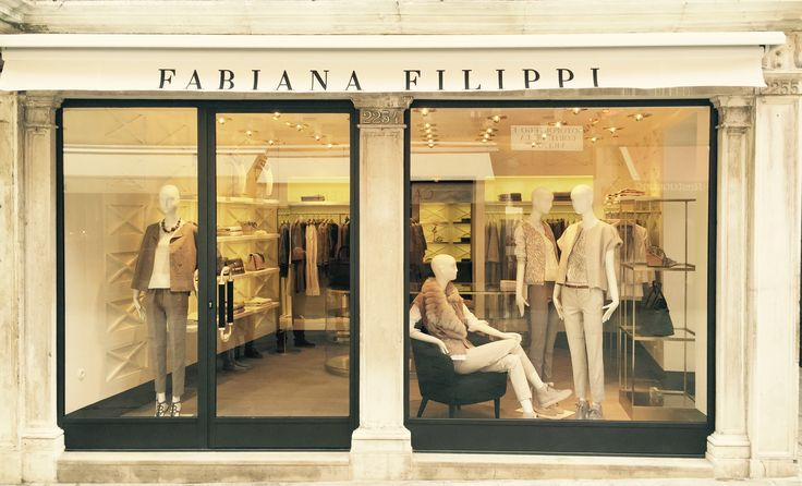 Venice. Front window. #Venice #Italy #fashion #fabianafilippi #store