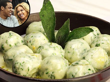 Scarpetta Chef Scott Conant Shares His Spinach-Ricotta Gnudi Recipe - Celebrity Diners Club, Beyonce Knowles, Britney Spears, Jay-Z, Kim Kardashian, Rihanna : People.com