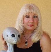 Cynthia Crawford... hybrid and ET sculptor.