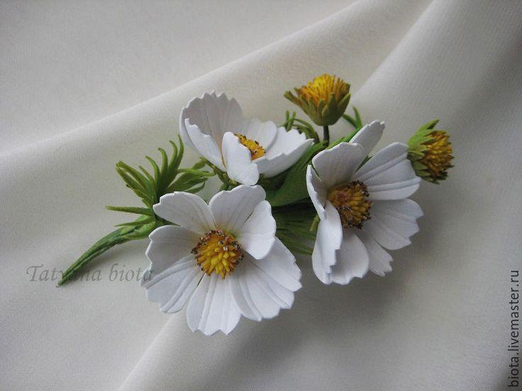 Купить БЕЛОСНЕЖНАЯ. Космея из фоамирана. - белый, белые цветы, брошь с цветами, бутоньерка для жениха