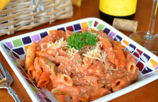 Make and share this Creamy Pink Vodka Sauce with Penne recipe from Food.com.